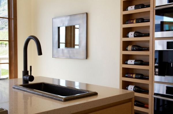 skříň na víno