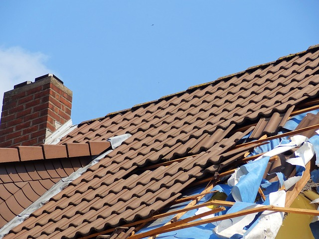 havárie - rozlítaná střecha