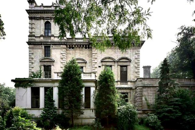 9-kesington-palace-gardens