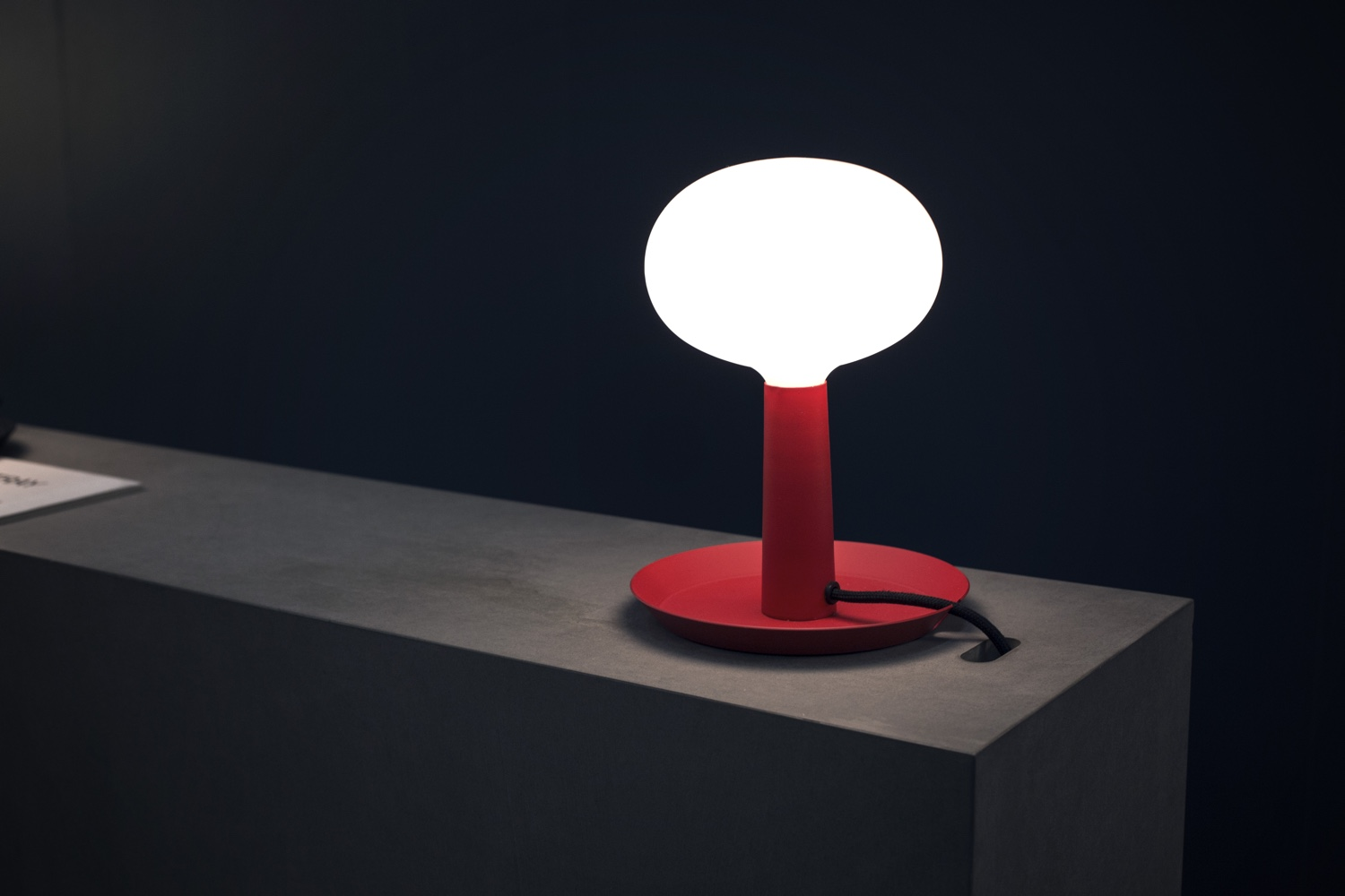 Tray-table-lamp-red
